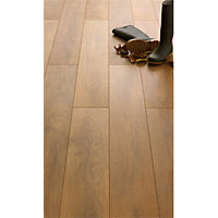 Laminate Harlech Oak Laminate Flooring - 2.22 sq m per Pack