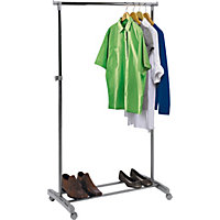 Adjustable Chrome Plated Clothes Rail - Grey.