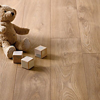 Hygena Stanwick Oak Laminate Flooring - 2.13sq m per pack