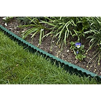 Apollo Green Plastic Lawn Edging