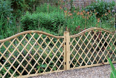 Forest Europa Hamburg 1.8 x 0.9m Fence Panel - Pack of  5