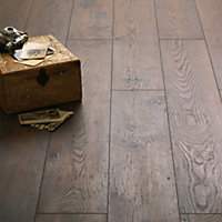 Schreiber Laminate Flooring Antique Chestnut - 1.73sq m per pack