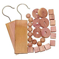 Russel Pack of 28 Cedar Items