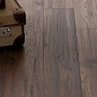Schreiber Sable Oak Laminate Flooring - 1.76sq m per pack