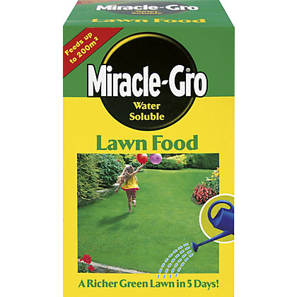 Image for Miracle Gro Water Soluble Lawn Food - 1kg from StoreName