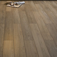 Burlington Oak Laminate Flooring - 1.48 sq m