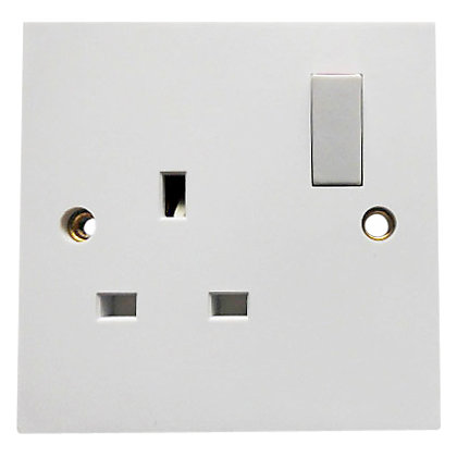 Image for Value 13 Amp 1 Gang Switched Socket - White from StoreName