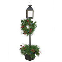 5ft Pre-Lit Lamp and Christmas Wreath