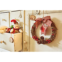 Stars & Berries Rattan Christmas Wreath