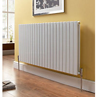 Vicenza Double Radiator White - W559 x H600mm