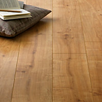 Hygena Palomino Oak  Laminate Flooring - 1.48sq m per pack