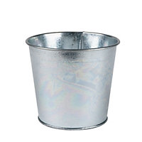 Value Metal Garden Planter in Silver - 14cm